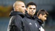 Porto'dan Pepe'ye 'gel futbolu burada bırak' teklifi