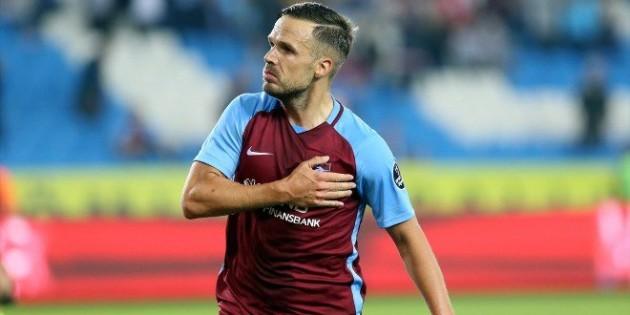 Trabzonspor Yönetimi'nden Filip Novak'a jest