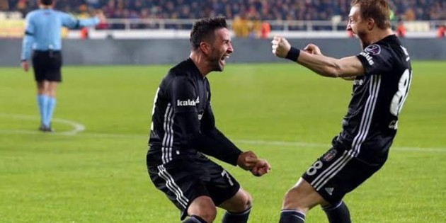 Beşiktaş'ta iç transfer harekatı! Caner Erkin ve Gökhan Gönül…