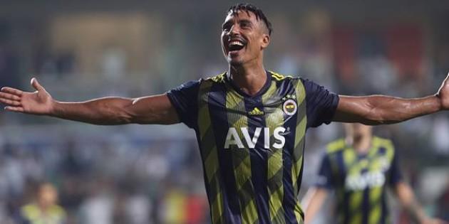 Fenerbahçe'de Nabil Dirar yolcu!