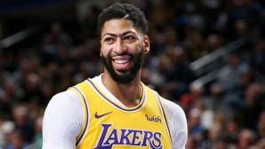 Anthony Davis, Lakers'ta kalıyor mu ?